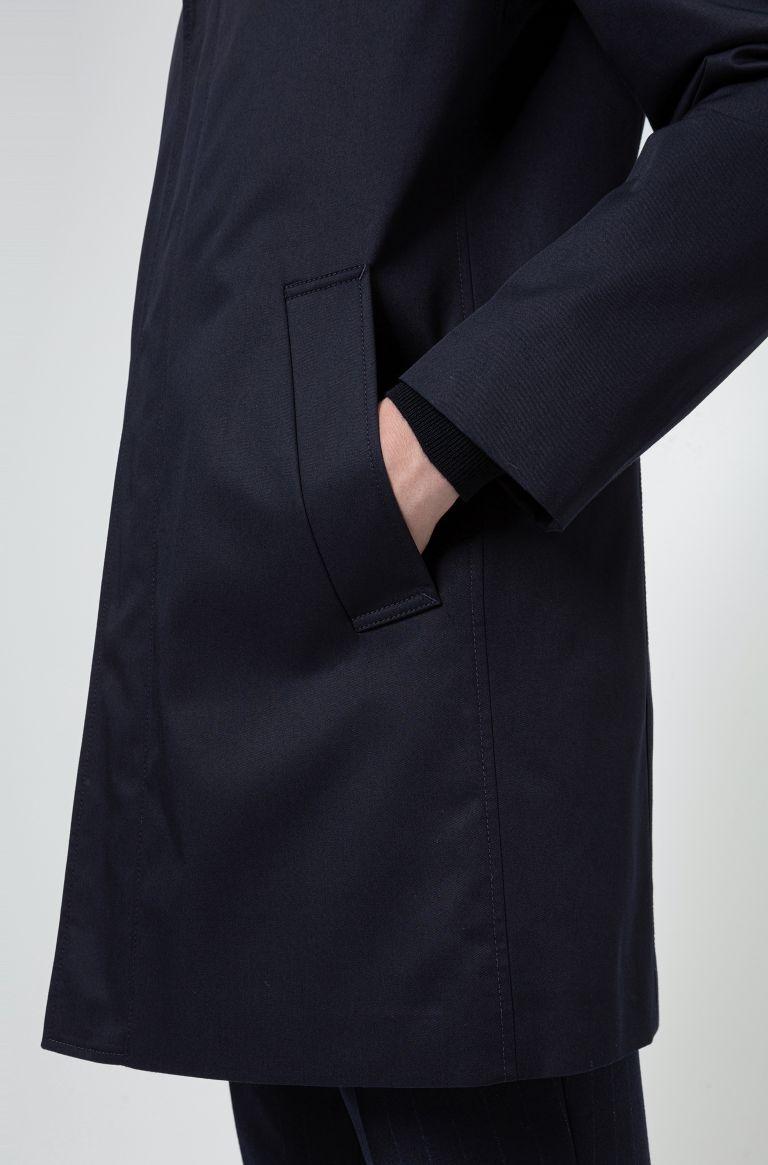 Cappotto corto slim fit in tessuto idrorepellente Buzzitta Stile