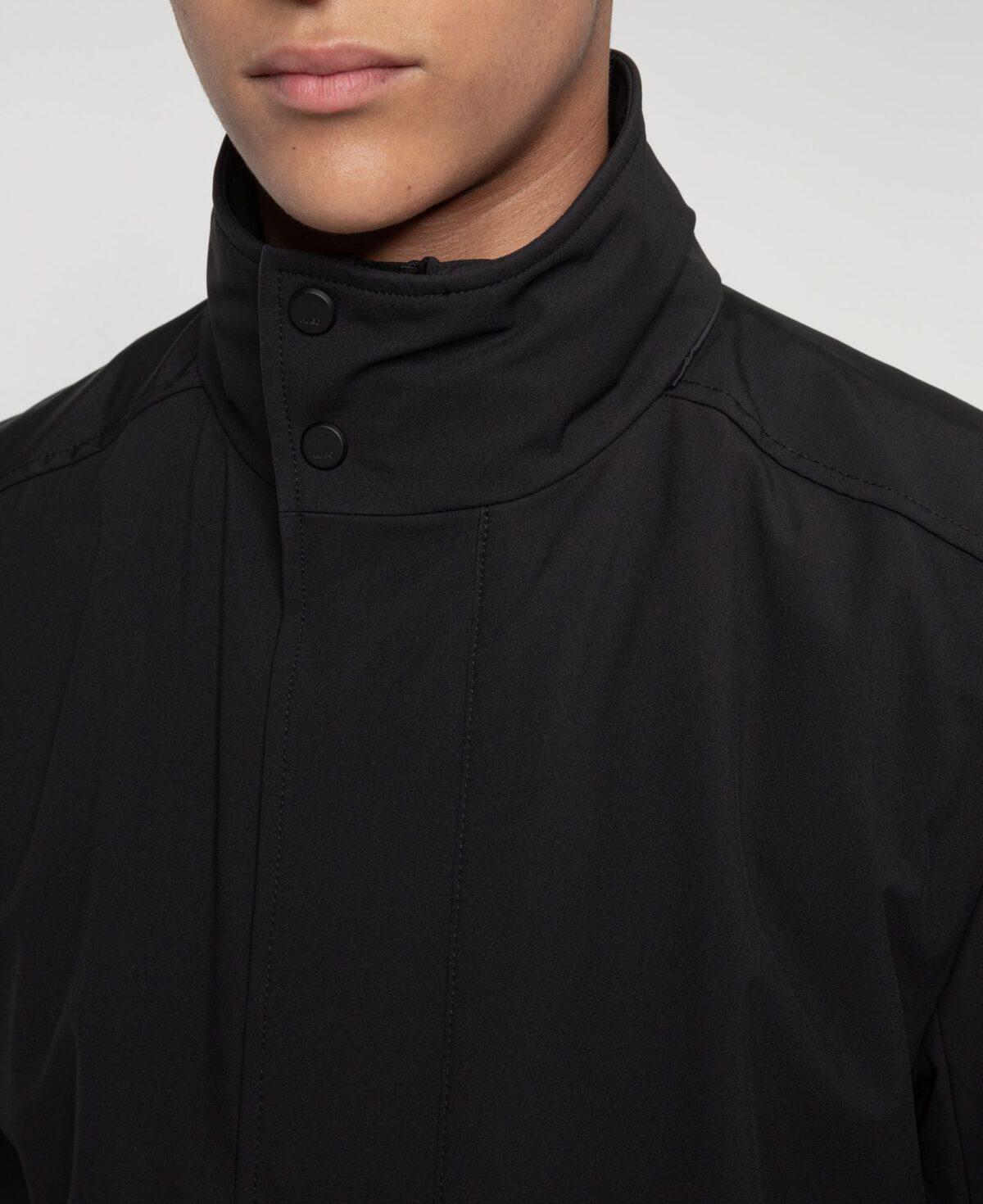 Cappotto slim fit in tessuto riciclato idrorepellente Buzzitta Stile